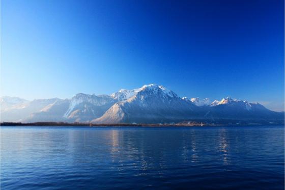 Fondue chinoise sur le lac Léman - Croisière gourmande pour 2 personnes 5 [article_picture_small]