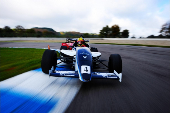 Stage de pilotage sur circuit - Formule Renault monoplace - 27 tours (1/2 journée)  [article_picture_small]
