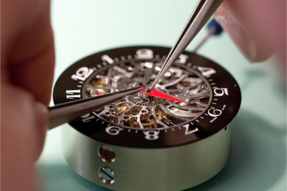 Initiation aux métiers d'art horlogers - Découverte de la gravure et de l'anglage main 3 [article_picture_small]