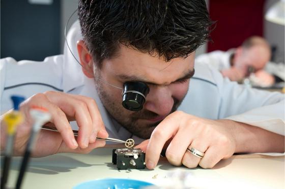 Initiation aux métiers d'art horlogers - Découverte de la gravure et de l'anglage main 5 [article_picture_small]