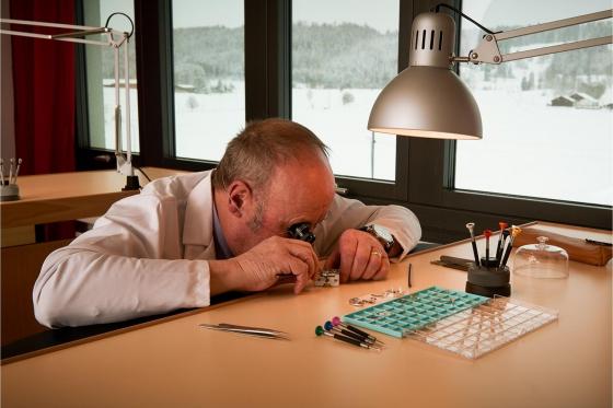 Initiation aux métiers d'art horlogers - Découverte de la gravure et de l'anglage main 9 [article_picture_small]