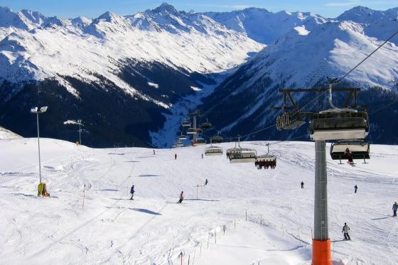 Gleitschirmflug, Skipass & Hotel - Bergabenteuer in Davos für 2 4 [article_picture_small]