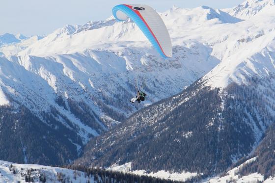Gleitschirmflug, Skipass & Hotel - Bergabenteuer in Davos für 2 5 [article_picture_small]
