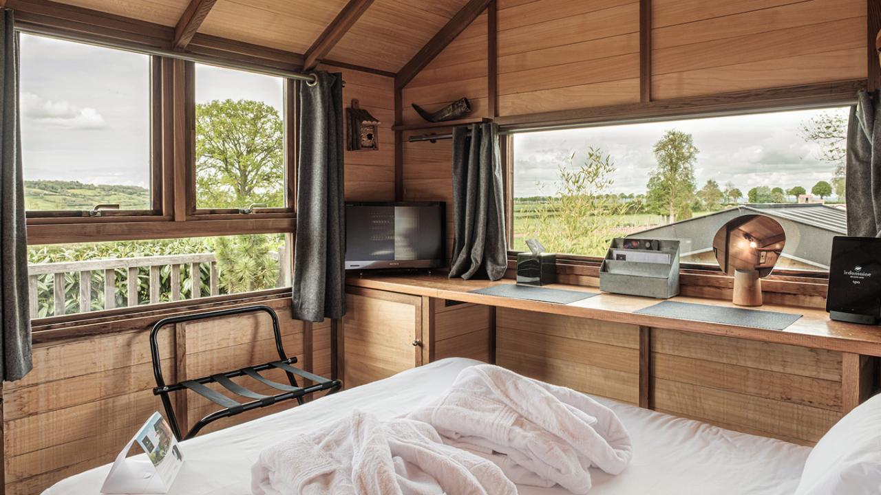 superior baumhaus f r 2 personen. Black Bedroom Furniture Sets. Home Design Ideas