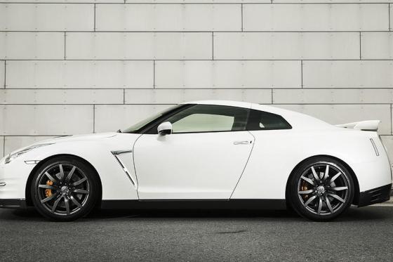 3h Nissan GTR Black Edition Miete - Fahrzeugmiete für 3 Stunden, inkl. 100 Freikilometer 1 [article_picture_small]