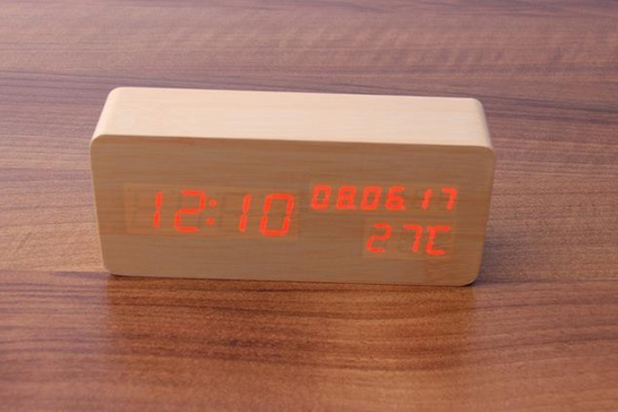 Wooden LED Wecker  - The Date 1