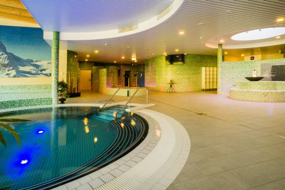 Day Spa Deluxe pour 2 - Bains d'Ovronnaz, Wellness + Repas + Massage en duo 6 [article_picture_small]