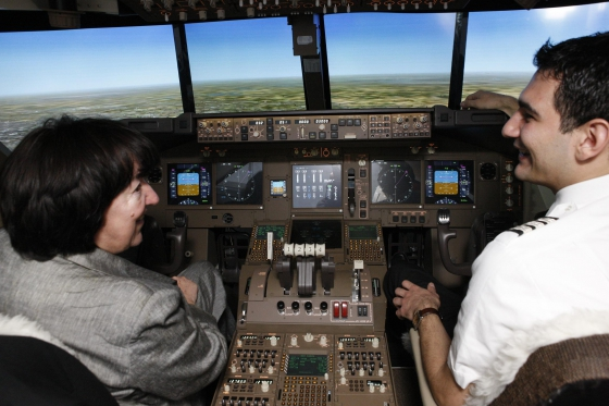 Rundflug im Simulator - 90 min Airbus 380 Cockpit in Zürich  [article_picture_small]