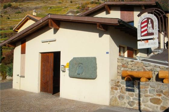 Dégustation de vin pour deux - Cave de l'Orlaya (VS) avec visite, apéro et bouteille offerte 5 [article_picture_small]