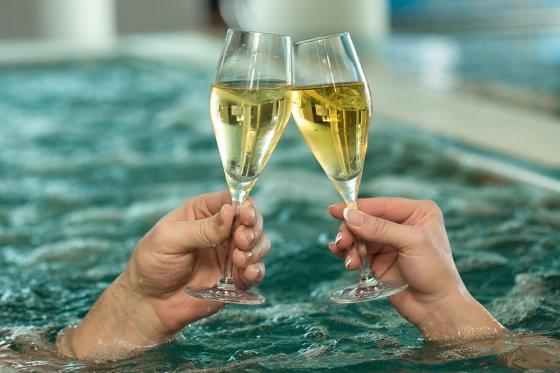 Spa, massages & Prosecco - Pour 2 personnes, au centre-ville de Fribourg  [article_picture_small]
