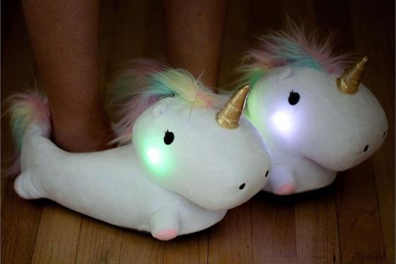 Hausschuhe Einhorn LED   - mit integriertem LED-Licht 1