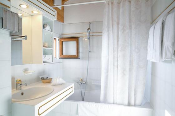 Séjour wellness à Crans-Montana - Inclus: 1 nuit en chambre double, accès au spa et petit-déjeuner 5 [article_picture_small]