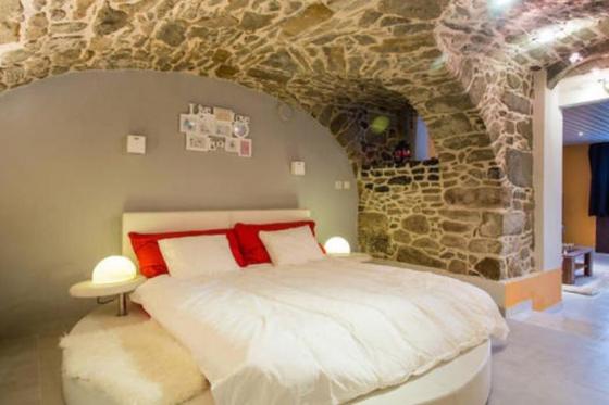 Séjour à la Cave Romantique - Avec bouteille de prosecco, petit déjeuner et accès au jacuzzi privatif 1 [article_picture_small]