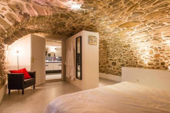 Séjour à la Cave Romantique - Avec bouteille de prosecco, petit déjeuner et accès au jacuzzi privatif 2 [article_picture_small]
