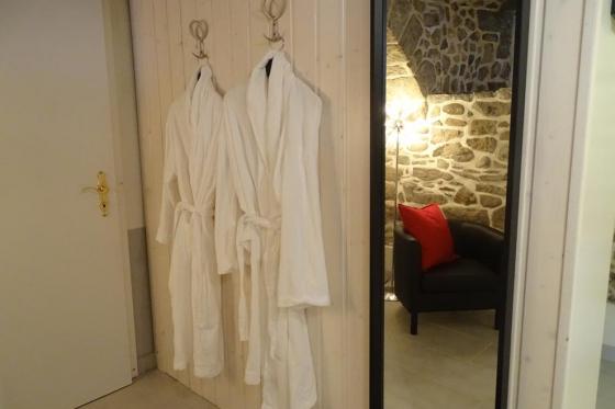 Séjour à la Cave Romantique - Avec bouteille de prosecco, petit déjeuner et accès au jacuzzi privatif 4 [article_picture_small]