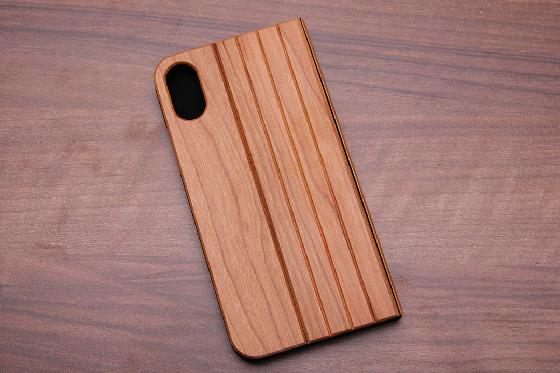 iPhone X Flip Case - Kirschenholz 1