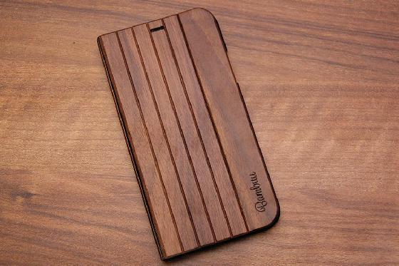 iPhone X Flip Case - Walnuss