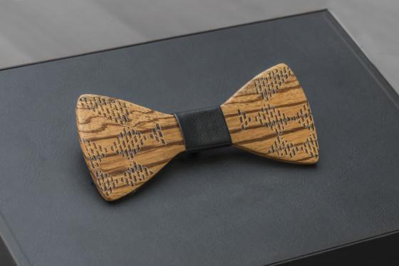 Geschenkbox Gentlemen Bambuu - inkl. Uhr, Sonnenbrille und Fliege 2