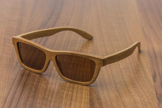 Geschenkbox Gentlemen Bambuu - inkl. Uhr, Sonnenbrille und Fliege 3
