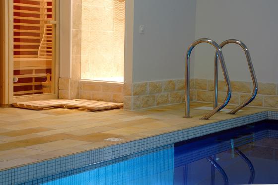 Une nuit ailleurs - 1 nuit, piscine intérieure chauffée, sauna et petit-déjeuner 4 [article_picture_small]