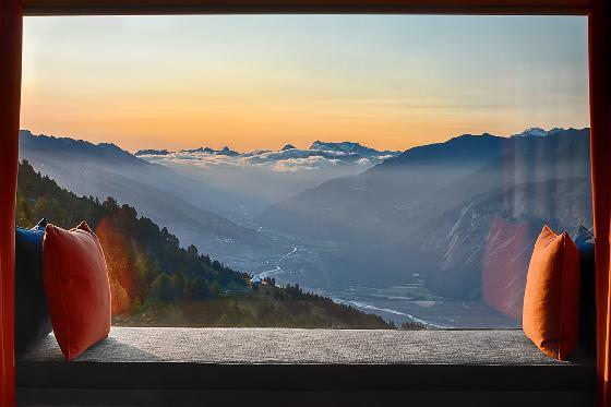 Séjour à 2'112m d'altitude - à Crans-Montana / 2 nuits pour 2 pers / en semaine 7 [article_picture_small]