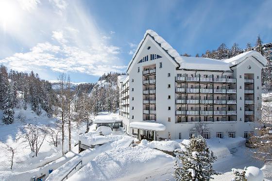 2 nuits à l'hôtel Schweizerhof - pour 2 personnes + forfaits de ski pour 1 jour 1 [article_picture_small]