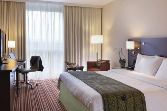 4* Hotel Wellness Übernachtung - inkl. Eintritt ins Aquabasilea und 3-Gang-Menü 2 [article_picture_small]