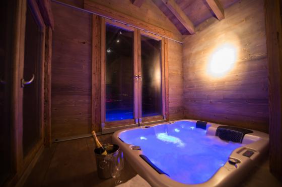 Übernachtung im Chalet -  Für 2 Personen mit 1h privater Whirlpool / Nebensaison 1 [article_picture_small]