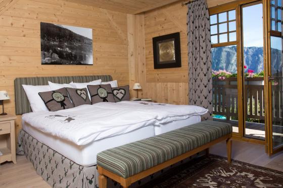 Séjour romantique au Chalet de Kalbermatten - Accès libre aux Bains d'Ovronnaz + massage + repas + champagne  1 [article_picture_small]