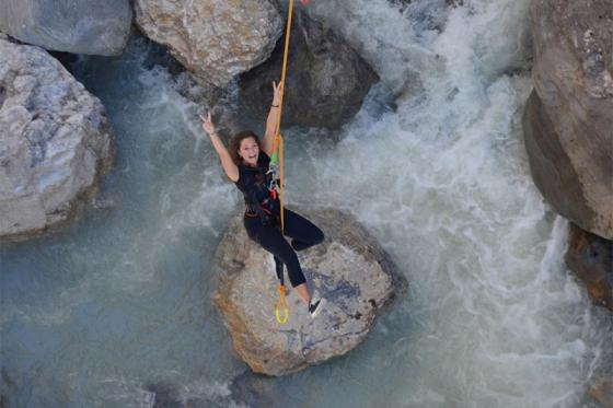Canyon Swing Gletscherschlucht - Ein Sprung in 90 Meter Tiefe 2 [article_picture_small]