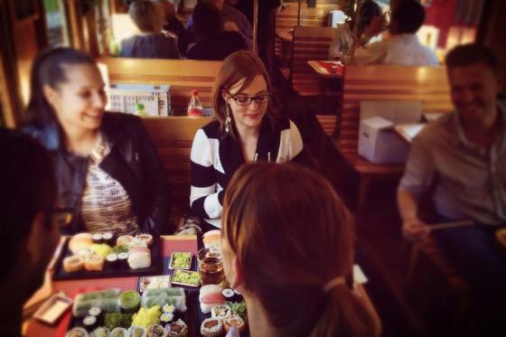 Train Sushi - Sushis et boissons pour quatre personnes 2 [article_picture_small]