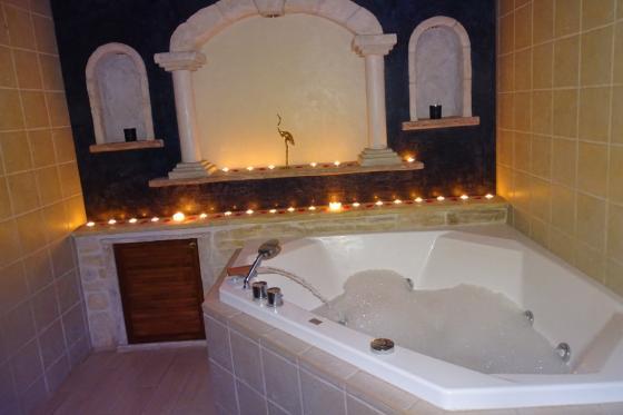 Séjour à la Chambre d'Or - 1 nuit pour 2 personnes avec bains à remous et petit déjeuner 3 [article_picture_small]