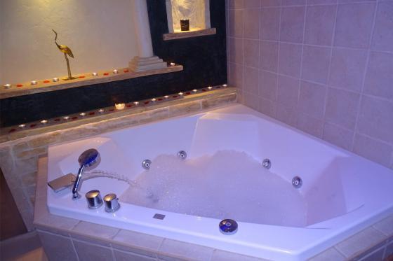 Séjour à la Chambre d'Or - 1 nuit pour 2 personnes avec bains à remous et petit déjeuner 12 [article_picture_small]