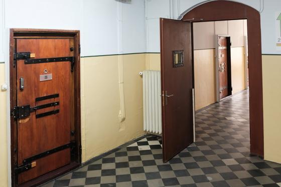 Knast-Hotel Übernachtung - 1 Nacht in der Zelle für 2 Personen 3 [article_picture_small]