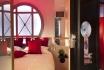 Romantik in Paris-Zimmer mit Whirlpool / Wochenende 9