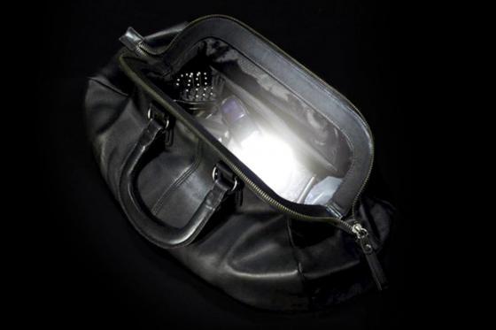 Handtaschenlicht - leuchtet bei Berührung
