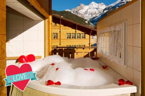Loveroom-Suite Übernachtung - Suite mit Whirlpool, Cheminée und Garten  [article_picture_small]
