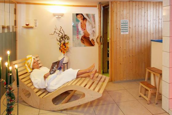 Loveroom-Suite Übernachtung - Suite mit Whirlpool, Cheminée und Garten 7 [article_picture_small]