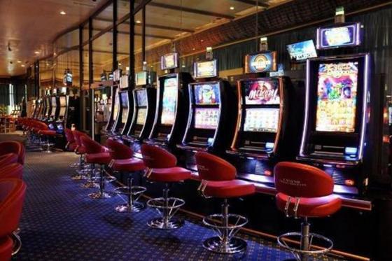 Casino royal à Crans-Montana - 1 nuit avec spa,  repas du soir au casino et jetons de jeux inclus 10 [article_picture_small]