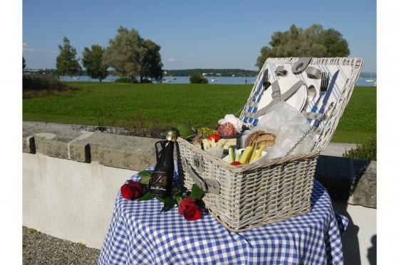 Wunderbarer Tag für 2 - Ausflug mit Schifffahrt & Picknickkorb 2 [article_picture_small]
