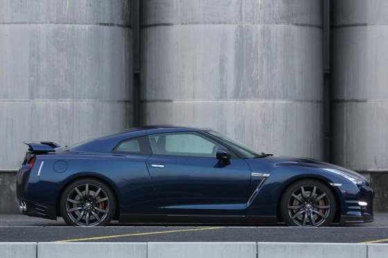 Nissan GT-R R35 - für eine Stunde mieten 1 [article_picture_small]