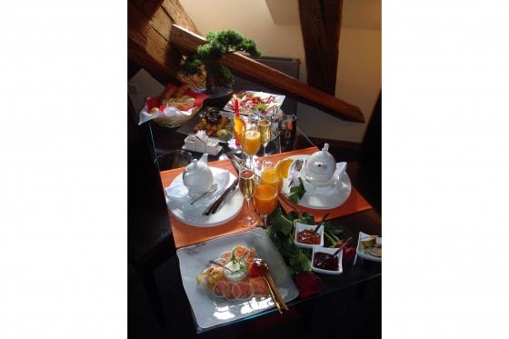 Nuit en Loveroom - avec un dîner romantique de 4 plats 4 [article_picture_small]