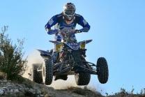 Quad auf Motocross Strecke - Fahrspass für Offroad-Fans