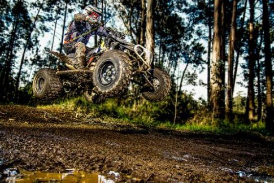 Quad auf Motocross Strecke - Fahrspass für Offroad-Fans 1 [article_picture_small]
