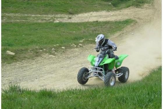 Quad auf Motocross Strecke - Fahrspass für Offroad-Fans 2 [article_picture_small]