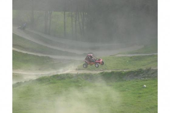 Quad auf Motocross Strecke - Fahrspass für Offroad-Fans 3 [article_picture_small]