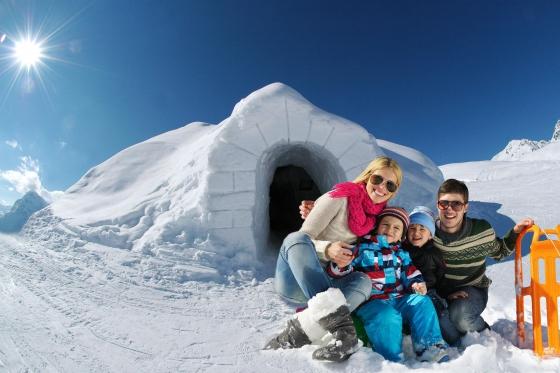 Iglu Übernachtung Family - inkl. Fondue & Schneeschuhtour  [article_picture_small]
