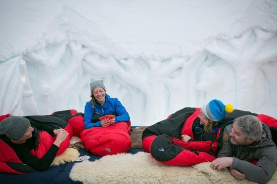 Iglu Übernachtung Family - inkl. Fondue & Schneeschuhtour 3 [article_picture_small]
