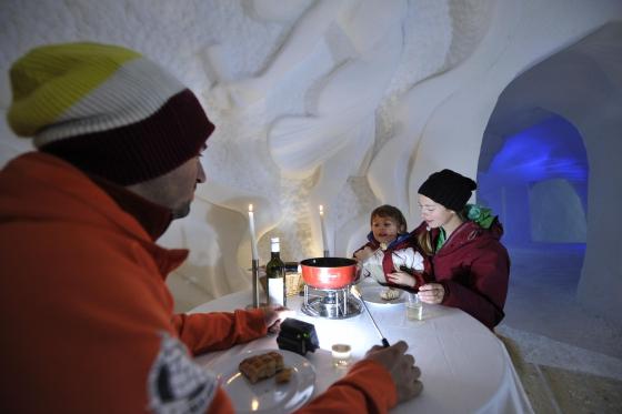 Nuit en igloo en famille - Incl. tour en raquettes et fondue 4 [article_picture_small]