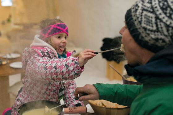 Iglu Übernachtung Family - für 2 Erwachsene und 2 Kinder inkl. Fondue & Schneeschuhtour 6 [article_picture_small]